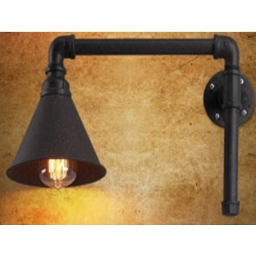 Metalen industriële wandlamp